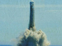 解放军试射导弹坠海 潜艇急沉5米