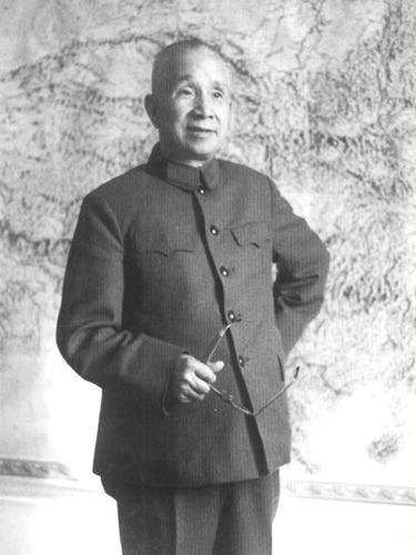 粟裕文革后拒绝为华国锋<br>歌功颂德始末