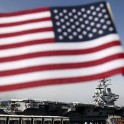 美军航母战斗群抵韩 扬言今夜就战