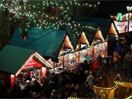 法兰克福圣诞市场开张迎客