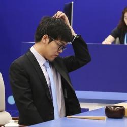 柯洁怼央视记者:中国人用中文提问[视频]