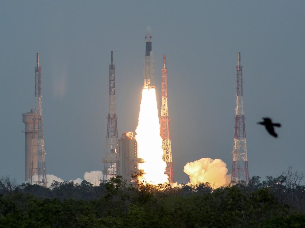 """印度成功发射""""月船2号"""" 欲冲击月球软着陆第四国[图集]"""